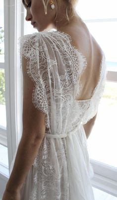 Grace Loves Lace Genevieve Pre-Owned Wedding Dress on Sale 49% Off