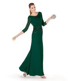 Vestido con mangas 3/4 de Pronovias verde