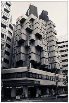 Kisho Kurokawa, Nakagin Capsule Tower, 1972.