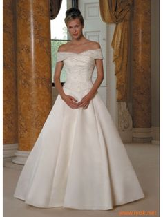 Okay, I've always wanted the Sleeping Beauty type wedding dress. Think this is it.