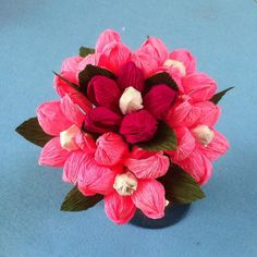 Gifts for mom diy paper flowers 41 Ideas Tissue Paper Roses, Paper Flowers Diy, Diy Paper, Paper Crafts, Best Gifts For Mom, Diy Mothers Day Gifts, Paper Bouquet, Mothers Day Flowers, Paper Flower Tutorial