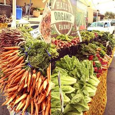 Who loves vegetables? One of the things I absolutely love about living in California is going my local organic farmer's market. I love seeing all of the fresh produce. Support your local farmers! . . . . . . . #farms #farmers #farmersmarket #local #pacificgrove #Monterey #california #westcoast #organic #farmtotable #veggies #vegetables #fresh #vegan #vegetarian #greens #kale #food #foodpics #montereylocals #pacificgrovelocals- posted by 👨🏼🍳🍔🍟🍖Kirk Bayoneto🍩🍪🍰🇵🇭🇺🇸…