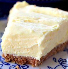 CREAM CHEESE LEOMON PIE Lemon Dessert Recipes, Köstliche Desserts, Lemon Recipes, Summer Desserts, Pie Recipes, Delicious Desserts, Yummy Food, Cooking Recipes, Quick Recipes
