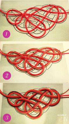 Paso a paso de collar de nudos de cuero hecho en Cosmojet