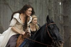 Legend of the Seeker - Kahlan Amnell and Dennee Fantasy Inspiration, Story Inspiration, Writing Inspiration, Character Inspiration, Fashion Inspiration, High Fantasy, Medieval Fantasy, Fantasy Characters, Female Characters