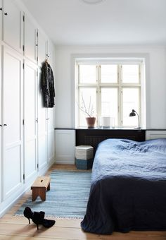 Bedroom in beautiful apartment for Boligmagasinet - Anitta Behrendt Master Bedroom Closet, Home Bedroom, Bedroom Decor, Dream Bedroom, Bedroom Ideas, Danish Bedroom, Build A Closet, Dream Apartment, Danish Apartment