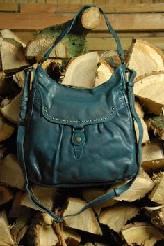 aunts and uncles Peanut Butter dusk blue Shoulder Bag L | Tascheundweg