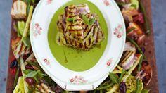 Jamie Oliver's 15 Minute Meals: Griddled Tuna Kinda Niçoise Salad Jamie's 15 Minute Meals, 15 Min Meals, Jamie Oliver 15 Minute Meals, Paella, Tuna Nicoise Salad, Vegan Tikka Masala, Great Recipes, Healthy Recipes, Healthy Food