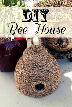 15 Awesome DIY Gift Ideas and Tutorials for Gardeners 2018 DIY Bee House for Your Spring Garden. Bee House, Bee Skep, Bee Party, Bee Crafts, Bee Theme, Save The Bees, Bees Knees, Primitive Crafts, Spring Garden