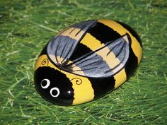 Bee- Painted Rock | Flickr - Photo Sharing!