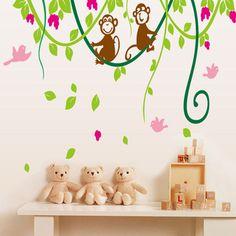 Wall-By-Wall | Slinger aapjes muursticker. Geef de kamer iets speels en fris met deze slingerende aapjes. Leuke muursticker voor in een babykamer of kinderkamer.