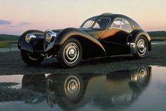1938 Bugatti Type 57SC Atlantic Coupe ..Si alguien que lo poseyera lo hubiera conservado en un garaje cerrado y ahora lo sacara a subasta ganaria unos tres millones de dolares.....UNO PARA COMPRARSE EL ACTUAL POR DENTRO DE HERMES Y DOS PARA CHAMPAGNE Y MUJERES EXOTICAS.........