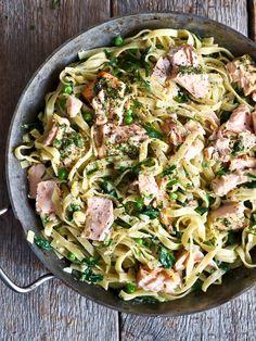 One pot wonder - lettvint gryterett - Mat På Bordet Food N, Food And Drink, One Pot Wonders, Laksa, Paella, Summer Recipes, Food Inspiration, Potato Salad, Cravings