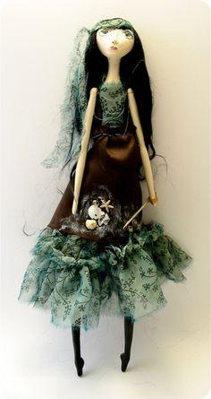 Black-eyed Suzie art doll Nora Barnacle