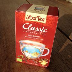 Zo maak je zelf je eigen Chai Latte, een heerlijk winters drankje. Lekker kruidig en zoet!