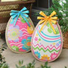Nothing makes for better Easter décor than bright and colorful Easter eggs like the Burlap Easter Egg Statues! #kirklands #BunnyLove