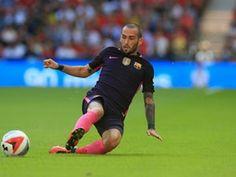 Top Premier League clubs 'in talks with Aleix Vidal'