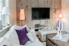 Sotra Bruk AS - Vegg - Interiør - Sotra Bruk Plank, Entrance, Flat Screen, Interior, Basement, Home, Walkout Basement, Entryway, Flat Screen Display