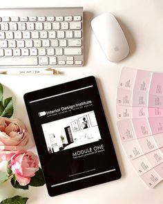 Pretty in pink with #IDIstudent @katherineeyedesign! Who else is studying this weekend?