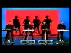 Kraftwerk - Das Model(deutsche version) (from the album Die Mensch·Maschine) 1978 Sound Of Music, Kinds Of Music, My Music, My Favorite Year, My Favorite Music, Soundtrack, Jukebox, Techno, Secret Gardens