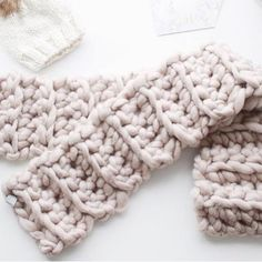 From @topknotstyle.ca , inspiration for this cold day!💫#wool#scarf #snood#scarfhandmade