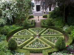 Jardin_du_Musee_Van_Loon_d_Amsterdam_2
