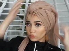 Hijab Turban Style, Mode Turban, Turban Outfit, Hair Wrap Scarf, Hair Scarf Styles, Hijab Styles, Turban Tutorial, Hijab Style Tutorial, Scarf Hairstyles