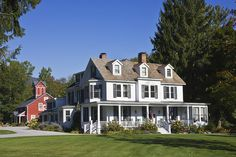 """Parklike grounds and farmhouse breakfasts — featuring """"Cottage Cakes"""" with local maple syrup — keep the Inn at Manchester's guests coming back, year after year. Fall is an especially superb time to visit: Vermont claims to have the best fall foliage in the world. See for yourself to decide!    - CountryLiving.com"""