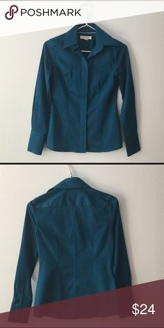 Banana Republic button down shirt Fantastic teal color. Non iron fitted. Excellent condition. 97% cotton/3% Lycra Banana Republic Tops Button Down Shirts