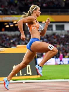 Dafne Schippers 2017 World Championships Athletic Body, Athletic Women, Sports Models, Sports Women, Dafne Schippers, Beautiful Athletes, Poses References, Sporty Girls, Action Poses
