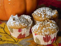 pumpkin muffins.. only 2 ingredients! just might have to try these!!