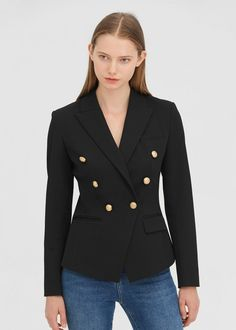 This classic double-breasted slim blazer has a row button and has 2 real pockets. The closure collar makes you look very spirited and competent. Suit Supply, Slim Suit, Style Classique, Double Breasted Blazer, Mulberry Silk, Skin So Soft, Fashion Online, Suit Jacket, Clothes For Women