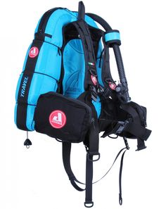 TRAVEL - Tropical Colours! (23 colours BCD)  TRAVEL is a lightweight BCD designed for those divers who often travel by plane and do not want to renounce to Audaxpro high quality and comfort. The BCD textile is so delicate that you do not have to wear a diving gear. Morever, you do not need extra space in your suitcase, because you can carry TRAVEL in its own comfortable practical bag. #travelbcd #GavViaggio #scuba #scubadiving #diving