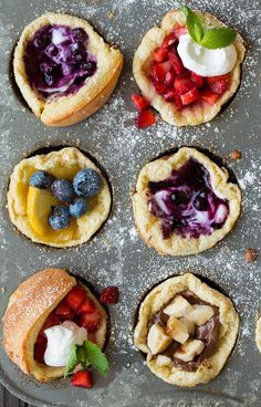 Delicious german pancake in individual mini form! Perfect for a weekend breakfast or a holiday brunch. A family favorite! Brunch Recipes, Sweet Recipes, Breakfast Recipes, Mini German Pancakes, What's For Breakfast, German Breakfast, Breakfast Pancakes, Bratwurst, Food Styling