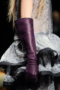 Roberto Cavalli Fall 2012 Ready-to-Wear Fashion Show Elegant Gloves, Purple Leather, Leather Gloves, Roberto Cavalli, Timeless Fashion, Riding Boots, Ready To Wear, Fashion Show, Fashion Accessories