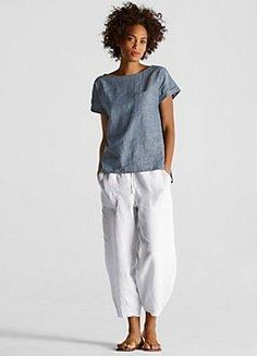 Eileen Fusher - slouchy drawstring cropped pant in organic linen Cool Outfits, Summer Outfits, Casual Outfits, Summer Clothes, Fair Weather Friends, School Looks, Looks Chic, Elegant Outfit, Mode Style