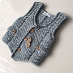 43 trendy knitting sweaters for boys baby vest Baby Knitting Patterns, Knitting For Kids, Baby Patterns, Crochet Pattern, Knit Vest, Baby Cardigan, Knitted Baby Clothes, Baby Sweaters, Knitting Sweaters