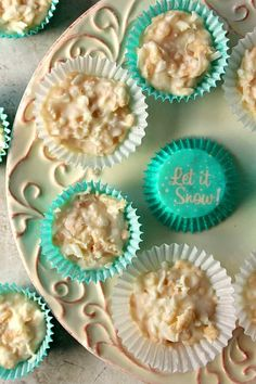 Coconut Crunch Chocolate Cups Recipe - a super easy homemade candy recipe for white chocolate and coconut lovers! You will love these crunchy cups! Chocolate Snowballs, Chocolate Coconut Cookies, White Chocolate Recipes, Chocolate Caramels, Chocolate Cups, White Chocolate Chips, Christmas Desserts, Christmas Treats, Christmas Baking