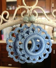 Watch The Video Splendid Crochet a Puff Flower Ideas. Phenomenal Crochet a Puff Flower Ideas. Bracelet Crochet, Crochet Earrings Pattern, Crochet Rings, Crochet Jewelry Patterns, Crochet Diy, Crochet Flower Patterns, Bead Crochet, Crochet Accessories, Crochet Designs