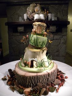 Funny pictures about Hobbit Wedding Cake. Oh, and cool pics about Hobbit Wedding Cake. Also, Hobbit Wedding Cake. Gorgeous Cakes, Pretty Cakes, Cute Cakes, Amazing Cakes, Country Wedding Cakes, Themed Wedding Cakes, Themed Cakes, Tier Wedding Cakes, Wedding Pies
