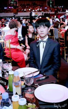 160909 Yiyangqianxi #Jackson #jacksonyi #易烊千玺 #อี้หยางเซียนซี #เซียนซี #tfboys #BAZAAR明星慈善夜