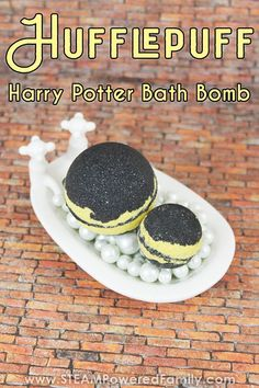 Unleash the magic and celebrate the Hogwarts House Hufflepuff with this DIY Harry Potter Bath Bomb. Known for being kind, fair and loyal, we love Hufflepuffs! Turn bath bomb making into a fun potions class for your young witches and wizards with the science lessons we've included. #HarryPotter #BathBombs