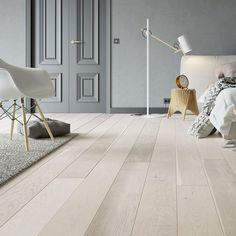 Et av våre mest populære gulv. Engineered Hardwood Flooring, Vinyl Plank Flooring, Kitchen Flooring, Hardwood Floors, Wood Flooring Company, Natural Flooring, Luxury Vinyl Plank, Grey, Interior