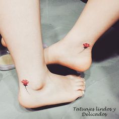The tattoo is a body art that reveals your personality. Here is an amazing collection of foot tattoos designs to inpire you. You can see different foot tattoos Bff Tattoos, Friend Tattoos, Mini Tattoos, Foot Tattoos, Flower Tattoos, Body Art Tattoos, Small Tattoos, Tattos, Red Poppy Tattoo