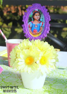 Sweet Metel Moments: DIY Tutorial - Picture Frame Floral Centerpieces