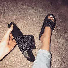 Cute Sandals, Cute Shoes, Me Too Shoes, Shoes Sandals, Shoes Sneakers, Heeled Boots, Shoe Boots, Simmi Shoes, Sneaker Heels