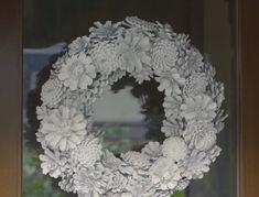 Dennenappel decoratie alleen in de herfst? Niet met deze gave dennenappel bloemenkransen! - Pagina 7 van 7 - Zelfmaak ideetjes