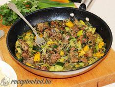 Érdekel a receptje? Kattints a képre! Küldte: KGizi Sin Gluten, Meat Recipes, Healthy Recipes, Meat Meals, Fried Rice, Curry, Food And Drink, Menu, Tasty