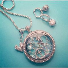 Nesting bubbles in our Legacy Locket! #Swarovski #OrigamiOwl www.charmingsusie.origamiowl.com