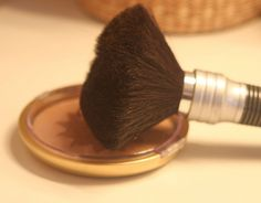 How to Clean Makeup Brushes with Witch Hazel Make-up Pinsel mit Hamamelis reinigen How To Wash Makeup Brushes, Best Makeup Brushes, Best Makeup Products, Beauty Products, Eye Makeup, I Love Makeup, Beauty Makeup, Eyelashes Makeup, Dark Makeup